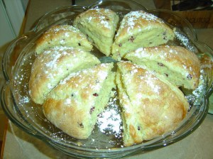 cranberry-orange-scones-01_resize